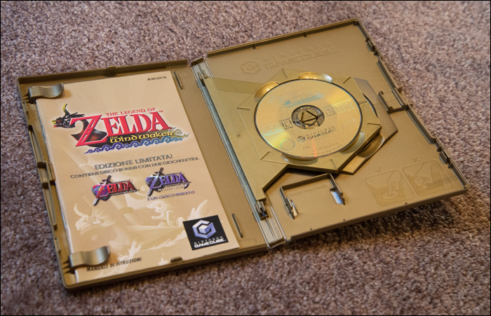 The-Legend-of-Zelda-the-Wind-Waker-Limited-Edition-Inside