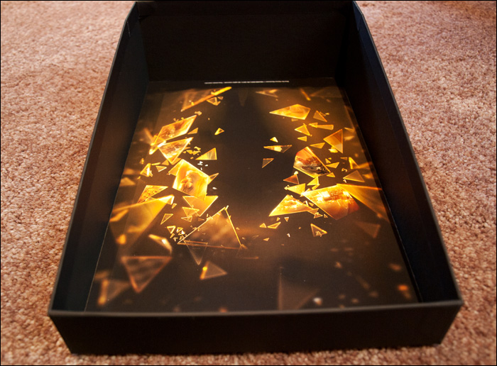 Deus-Ex-Human-Revolution-Collector's-Edition-Box-Open