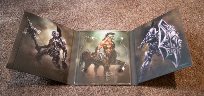 God-of-War-3-Collector's-Edition-Inside