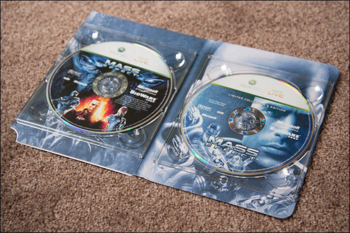 Mass-Effect-Limited-Collector's-Edition-Discs