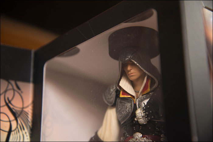 Assassins-Creed-II-Black-Edition-Ezio-Close