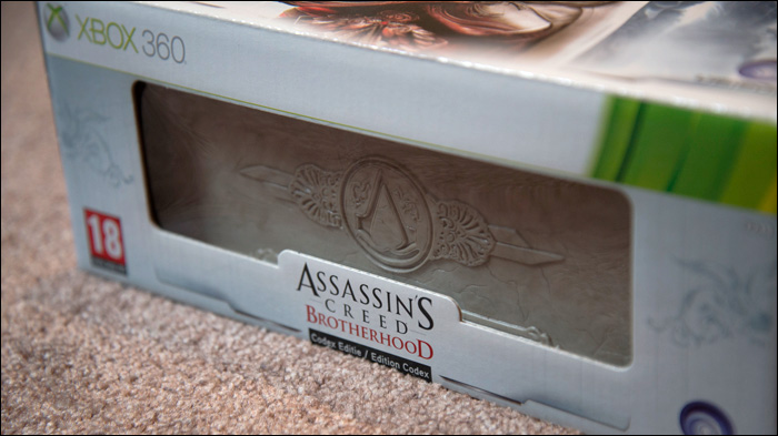 Assassins-Creed-Brotherhood-Codex-Edition-Close