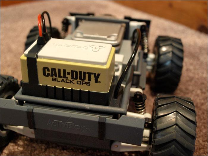 Call-of-Duty-Black-Ops-Prestige-Edition-Car-Close