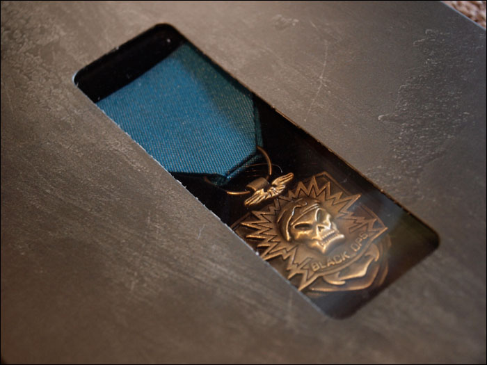 Call-of-Duty-Black-Ops-Prestige-Edition-Medal