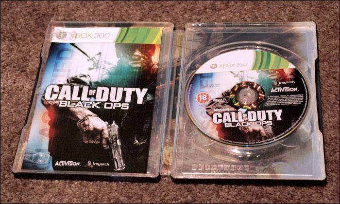 Call-of-Duty-Black-Ops-Prestige-Edition-Tin-Box-Open