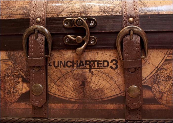 Uncharted-3-Explorer-Edition-Chest-Close