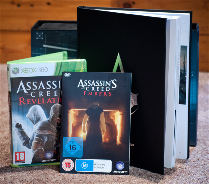 Assassin's-Creed-Revelations-Animus-Edition-Contents