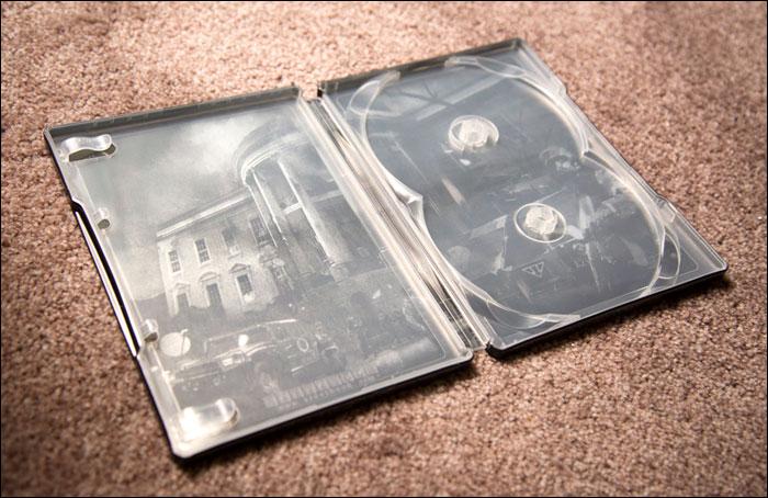 Splinter-Cell-Conviction-Collector's-Edition-Steelbook-Inside