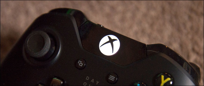 Xbox-One-Day-One-Controller-LIghts-Up