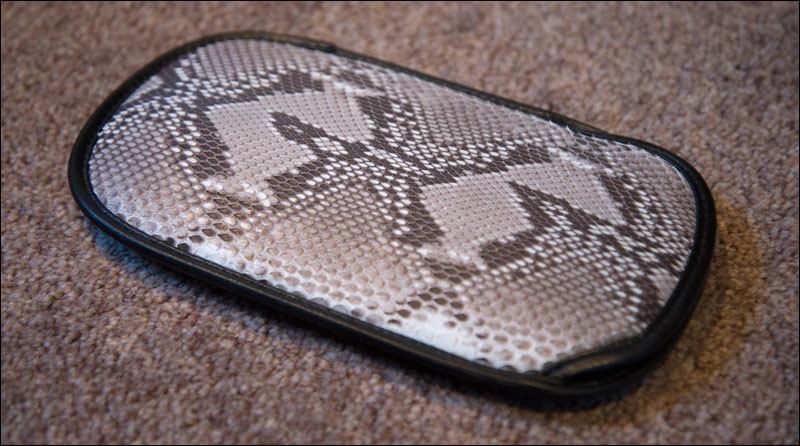 MGS-Portable-Ops-KonamiStyle-Premium-Pack-Snakeskin-Pouch