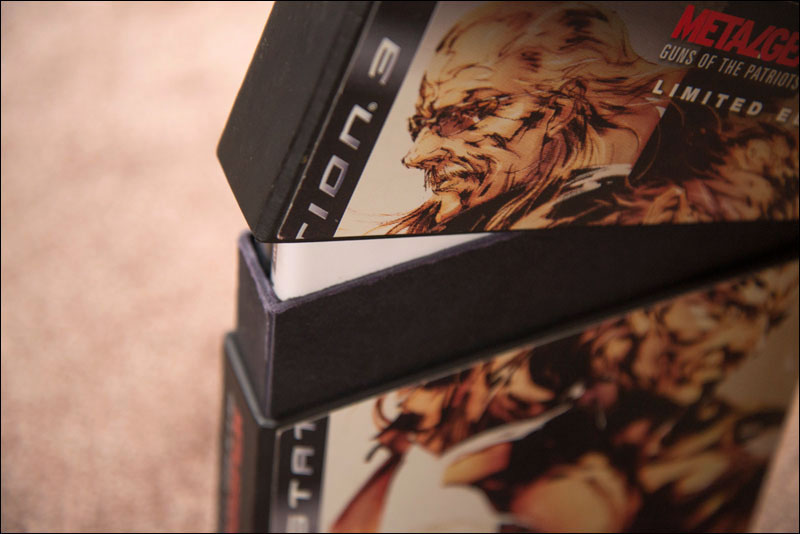 Metal-Gear-Solid-4-Limited-Edition-NA-Open-2
