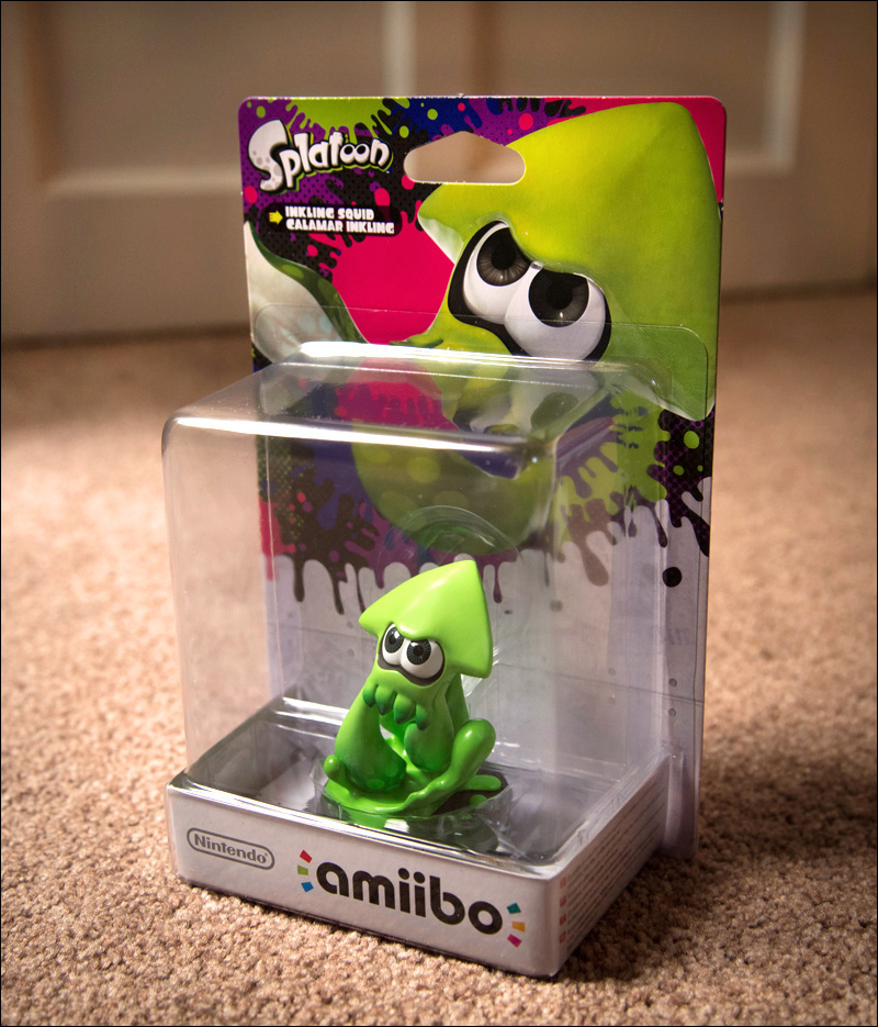 Splatoon-Amiibo-Bundle-Squid-Inkling-in-Box