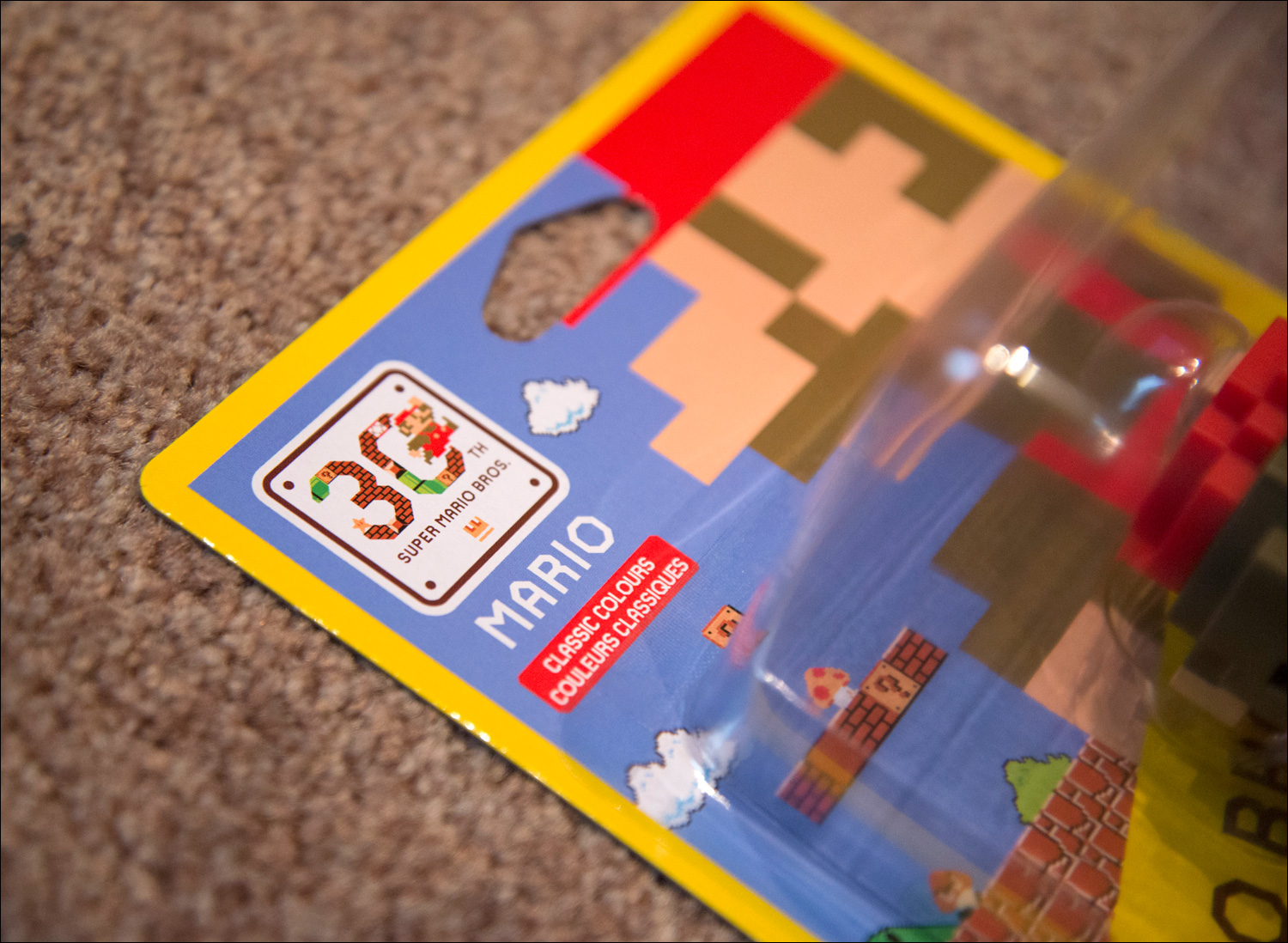 Super-Mario-Maker-Classic-Colors-Mario-Amiibo-Packaging