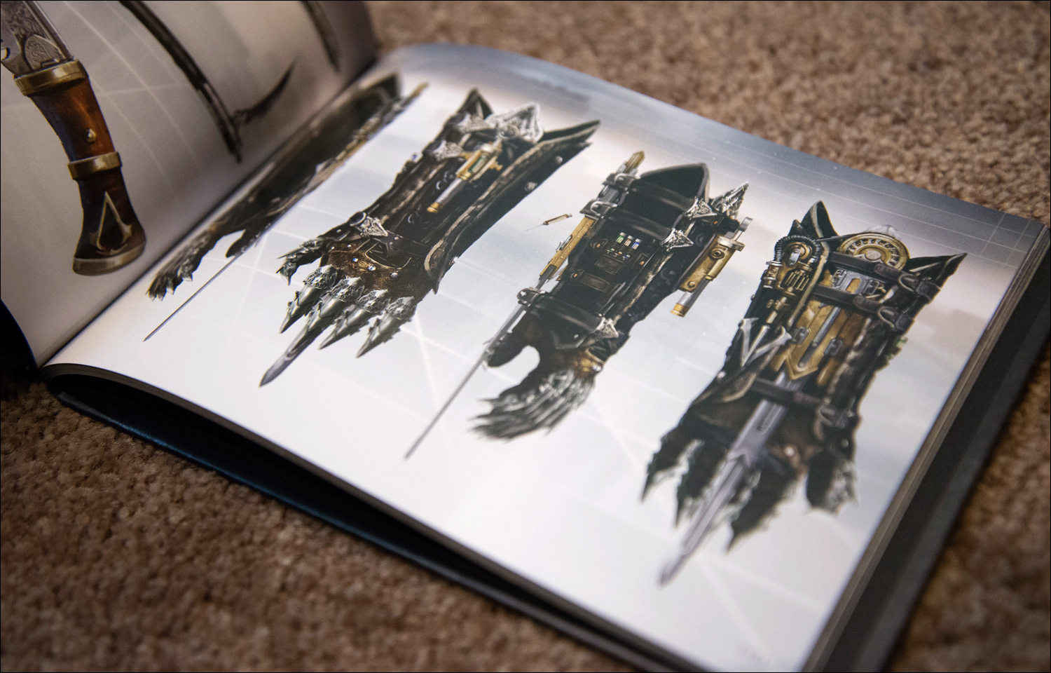 Assassins-Creed-Syndicate-Rooks-Edition-Artbook-Hidden-Blades