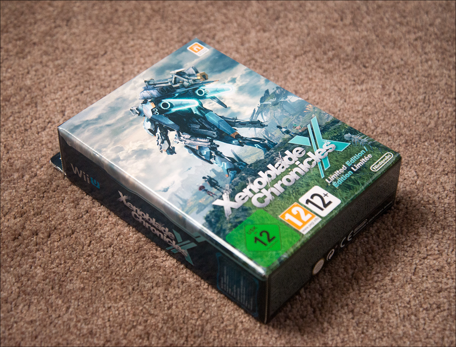 Xenoblade Chronicles X Limited Edition, contains steelbook, artbook, double-sided poster and map