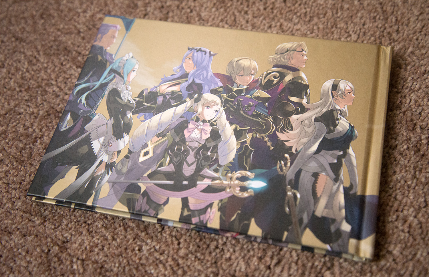 Fire-Emblem-Fates-Special-Edition-Artbook-Back