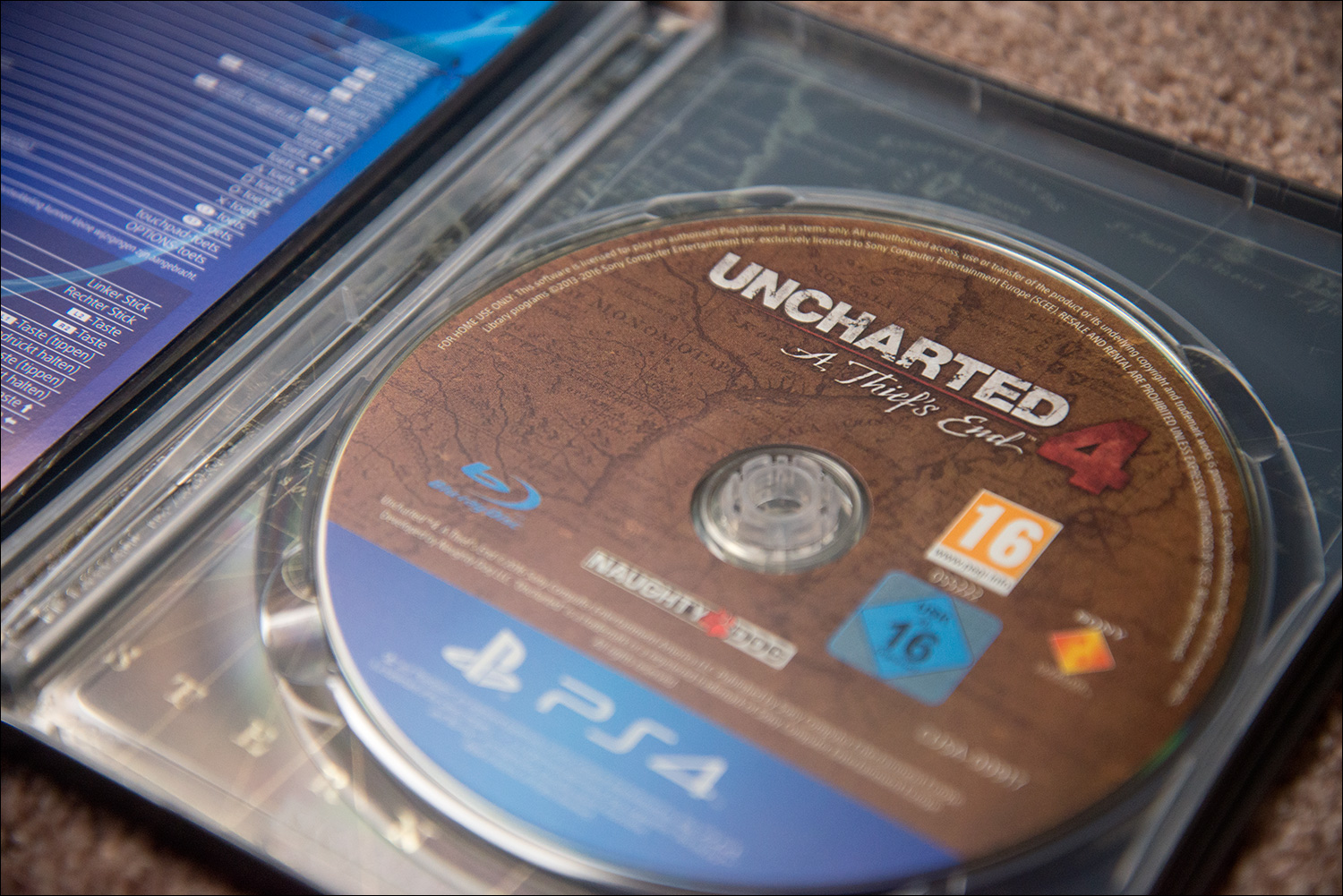 Uncharted-4-Special-Edition-Disc