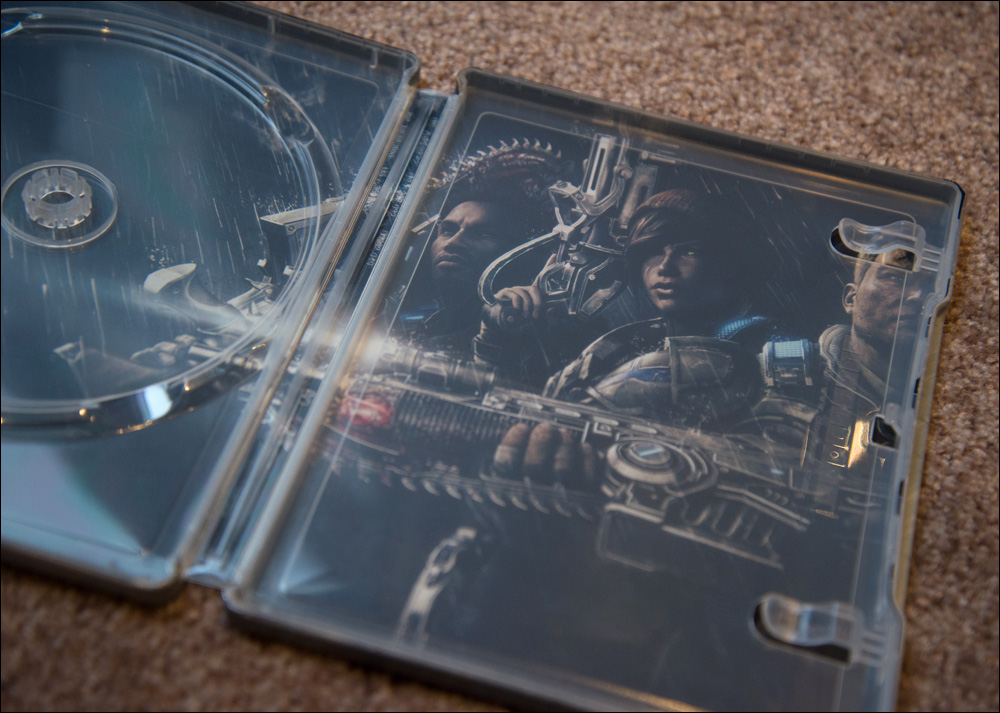 gears-of-war-4-ultimate-edition-inside